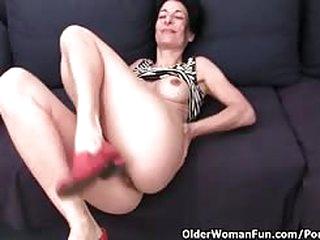 Older women masturbating pussies