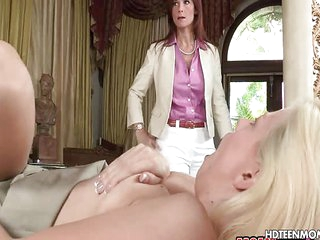 Facial Cumshot and Anal Sex for Stepmom