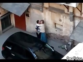 OmaFotzE Amateur Grandma Sex in the Back Alleyway