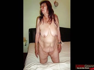 LATINA GRANNY Two latinas giving blowjob