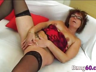 Granny with glasses gets pussy drilled