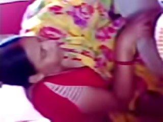 Bulti kakima caught cleavage 2