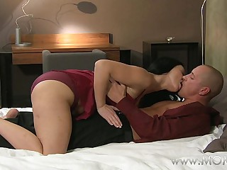 MOM MILF's who love sucking cock