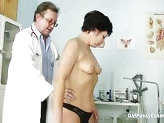 sex movie Mature woman Eva visits gyno doctor to get gyno mature exam