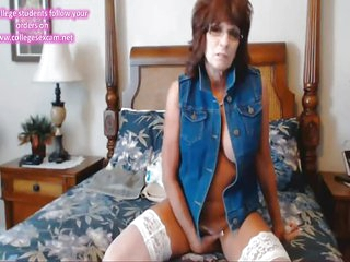 US Mature webcam in Denim Vest