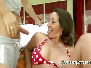 Hot Mature Brunette Mouth Fucks A Large Cock