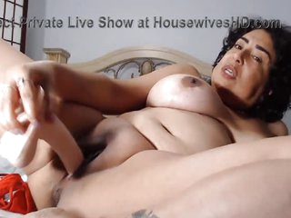 Mature mamacita likes to fuck herself slowly
