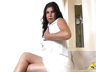 LatinChili hot older latin lady Lucia solo play
